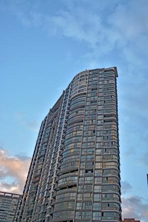 現代公寓樓 版權商用圖片 - 71431716