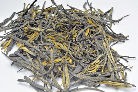 特寫到茶葉在白色背景 版權商用圖片 - 71462748