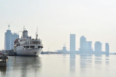 船舶在港口 版權商用圖片 - 71431789
