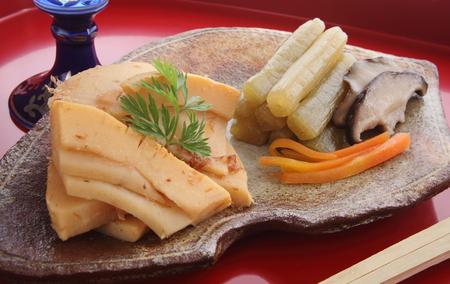 お酒と筍の春野菜を煮和食