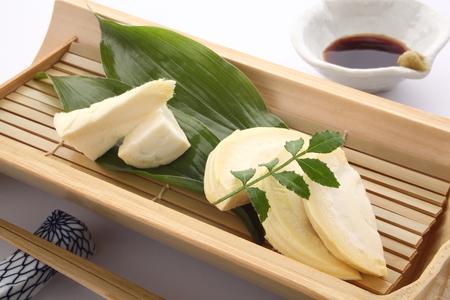 筍刺身醤油とわさび、和食