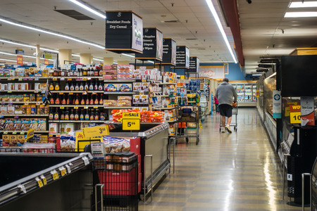 Food Lion Interior Americana Casual Capture Grocery Shopping Scene December 2018 Editöryel