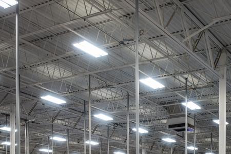 Iluminación de techo de almacén Bombillas fluorescentes industriales