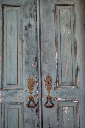 Antique Vintage Doors Ruined Withered Worn Handles Closeup Textures Stok Fotoğraf