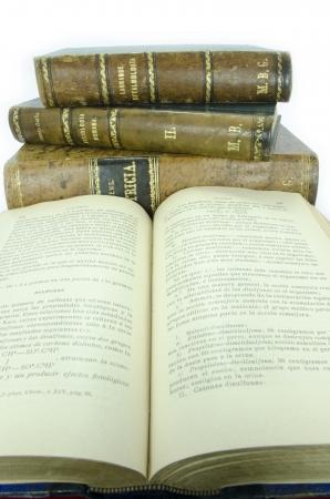 Pile of old books 新闻类图片