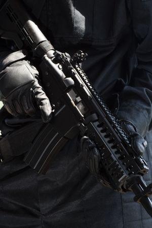 Nahaufnahme des eine automatische M-4-Gewehr  Standard-Bild - 7445169