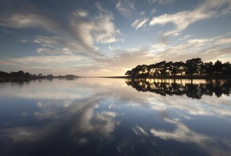 Ņhatchet: Hatchet Pond Reflections, New Forest Stock Photo