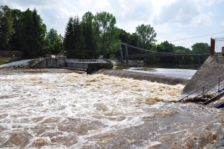 weir: Big water on weir Strakonice