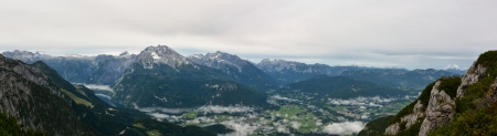 eagle nest rock: Eagle nest  Kehlsteinhaus  panorama view