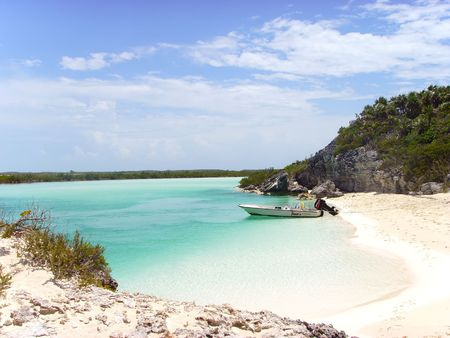 Lone Boat on a Deserted Beach Island in the Bahamas... Stock Photo - 1215307