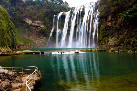 Winter beautiful waterfall Stock Photo - 15732446