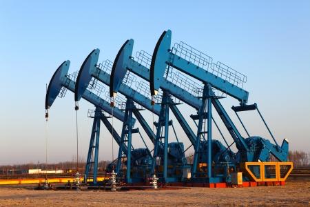 pozo petrolero: Aceite de bombas de aceite industria de equipos Foto de archivo