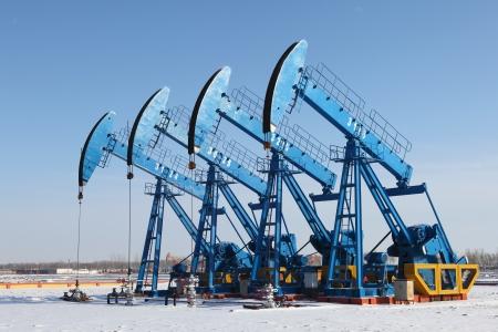 oil barrel: Aceite de bombas de aceite industria de equipos Foto de archivo
