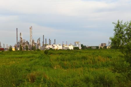 Oil industry equipment installation  photo