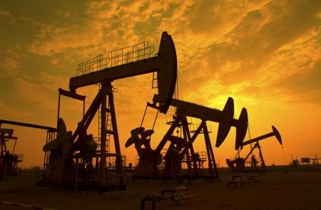 oil well: Aceite de bombas de aceite industria de equipos Foto de archivo