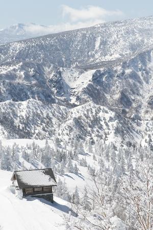 winter cabin Stock Photo - 9351008