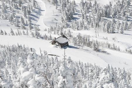 winter shack Stock Photo - 9351006