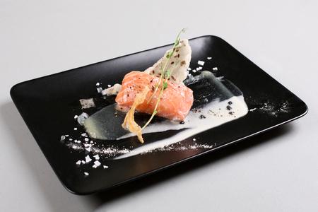 Smoked salmon and sauce cooked by molecular gastronomy technic Zdjęcie Seryjne - 91382144