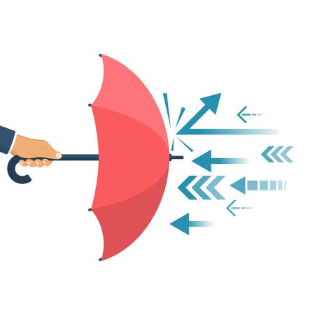 Geschützt vor Angriff, Konzept. Defender Business Metapher. Finanzielle Sicherheit. Der Geschäftsmann hält einen Regenschirm als Schild, der die Angriffe widerspiegelt.