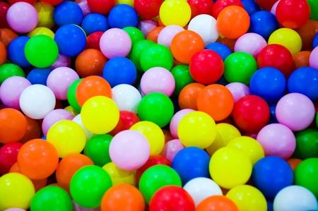bola de billar: coloridas bolas de plástico de juegos para niños Foto de archivo