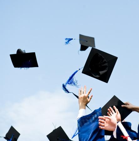graduacion de universidad: altos sombreros de graduaci�n de secundaria