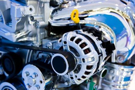 mecanico automotriz: Un motor de un coche moderno.