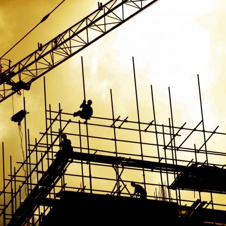 estructura: Trabajadores de la construcci�n que trabajan en andamios