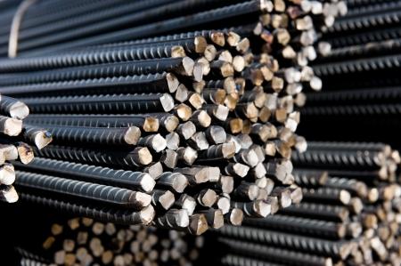 siderurgia: Barras de acero o barras utilizadas para hormigón armado. macro abstracta con poca profundidad de campo.