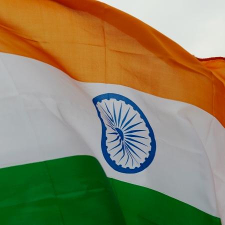 drapeau inde: Gros plan de l'Inde drapeau ondul�.