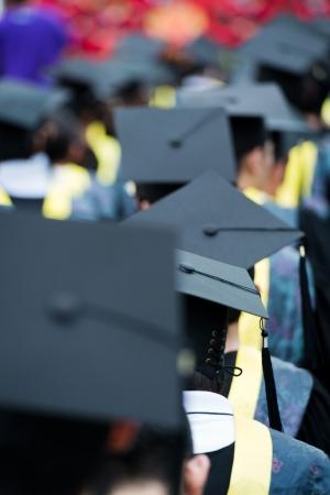 estudiantes universitarios: posterior de los graduados durante la apertura.