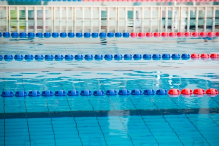 floater: empty swimming pool with many lanes.