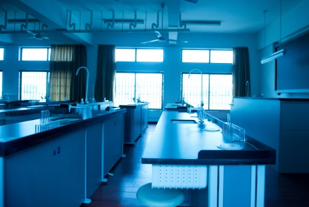 computer science classes: empty chemistry laboratory in a middle school in China. Stock Photo