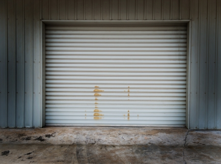 garage: Garage door at a huge building