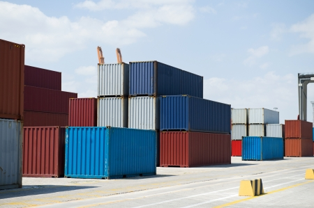 tetris: Lots of cargo containers at the docks