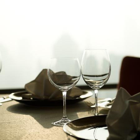 nice food: Столовый набор для изысканного ужина.