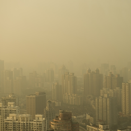 Grote stad in de mist, shanghai.