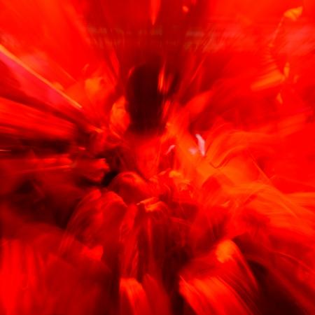 danza moderna: Gente del baile en una fiesta alegre discoteca.