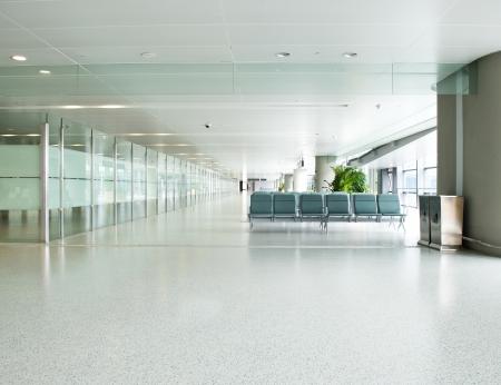 空港の空出発ラウンジ
