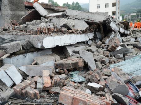 Bâtiment détruit de la démolition ou de tremblement de terre.