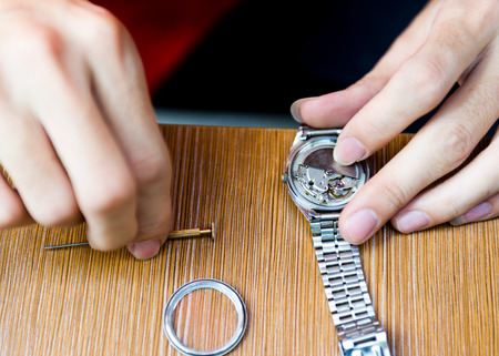 watchmaker: Watch repair in the workshop.