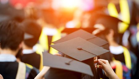 Retour des diplômés au début.