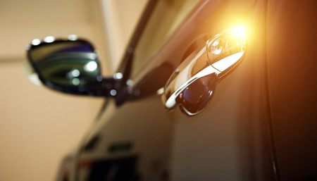 Voiture de porte - détail d'une voiture de luxe Banque d'images - 75059275