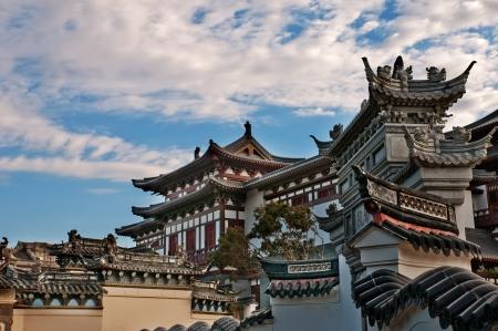 muralla china: Templo chino m�s de 1000 a�os de historia, South Putuo Temple en Ningbo, China