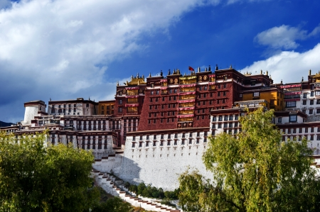 potala: The potala palace,in Tibet of China Stock Photo