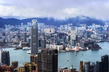 hk: Hong Kong view of Victoria Harbor, Hong Kong Island business district.