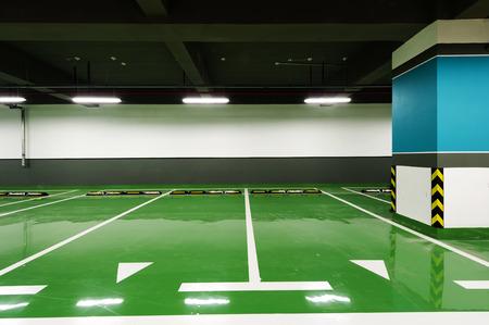 Underground parking Imagens - 34923439