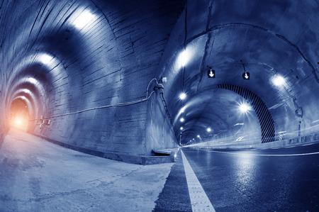 trajectoire: R�sum� voiture dans la trajectoire du tunnel