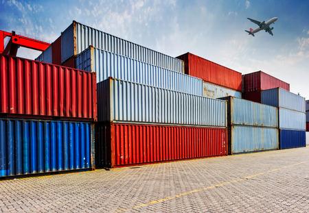 Container Versand Standard-Bild - 35092060
