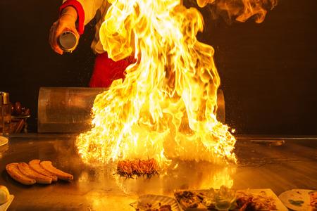 Chef preparing teppanyaki Stockfoto
