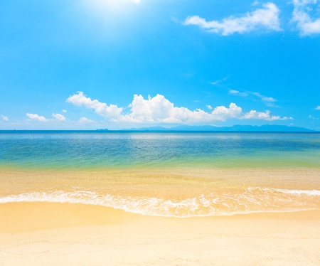 prachtige strand en de zee Stockfoto